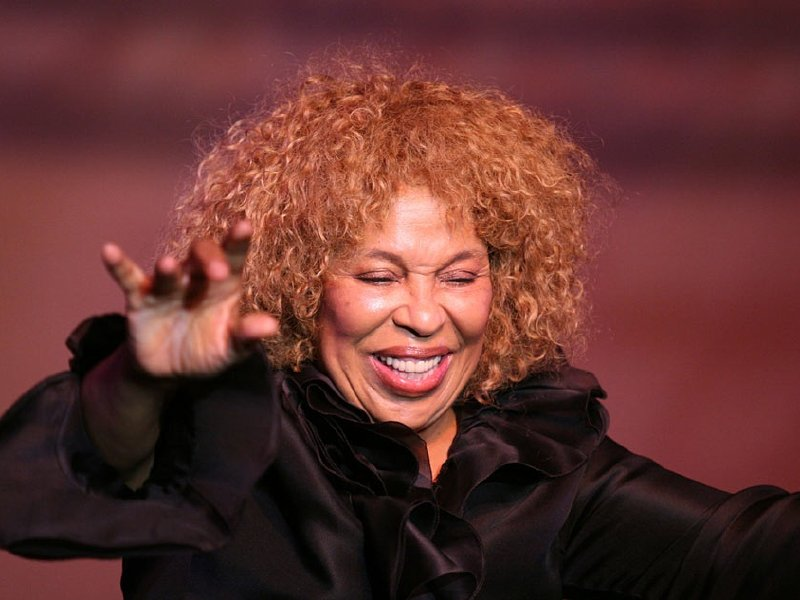 Roberta Flack And Peabo Bryson Live More